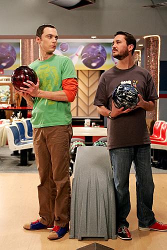 Wil_wheaton_jim_parsons_bowling_faceoff