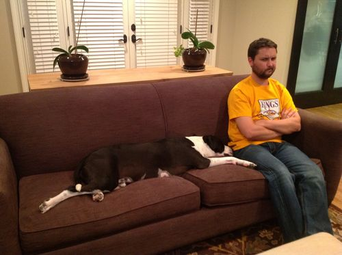 """Seamus and Wil """"compromise"""" on sharing the couch."""